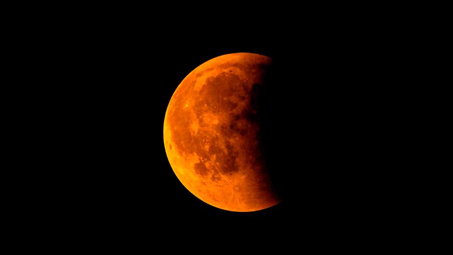 El próximo lunes eclipse total de Luna visible en toda América y España: ubicaciones para poder observarlo