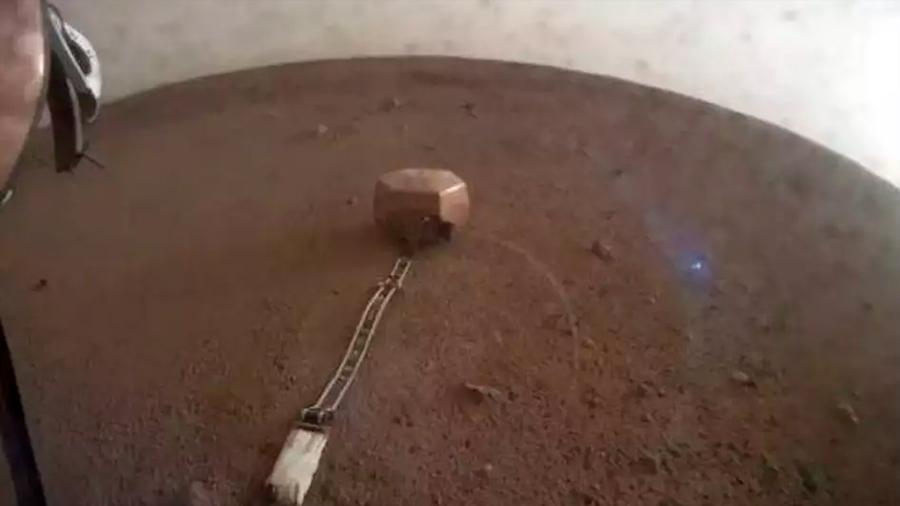 La misión InSight de la NASA 'pega la oreja' al suelo de Marte