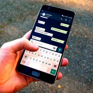WhatsApp limita el reenvío de mensajes para combatir las noticias falsas