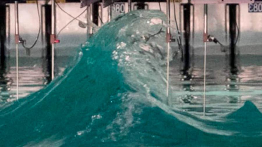 Reproducido en laboratorio cómo se produce una ola asesina