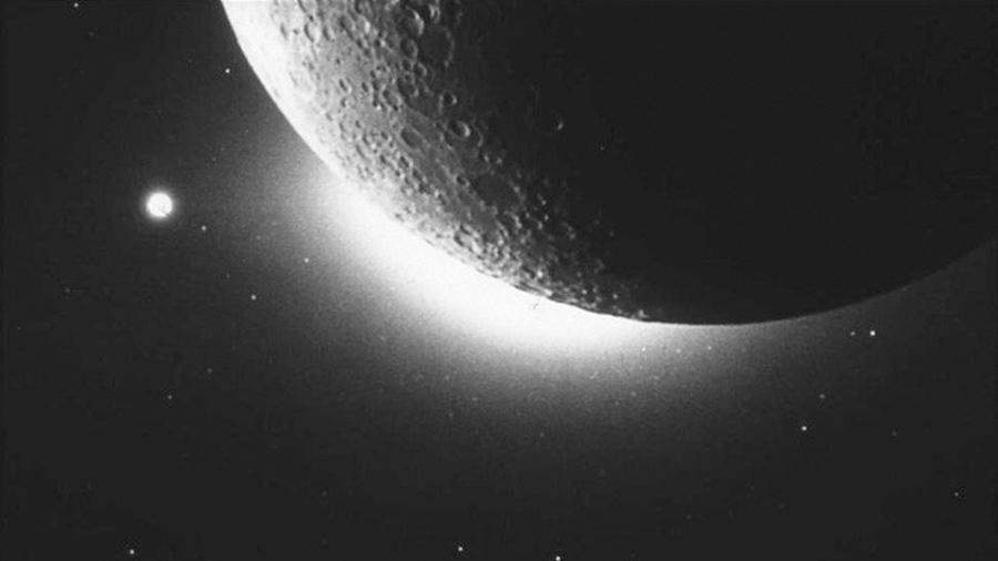 Físicos hallan Solución al misterio de las nubes de polvo en la Luna