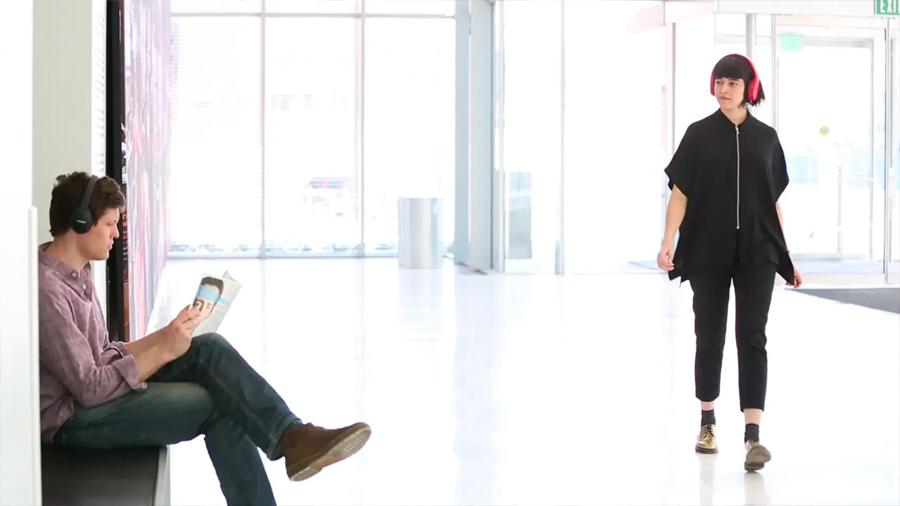 Auriculares creados en el MIT te permitirán compartir música con solo cruzar la mirada con alguien