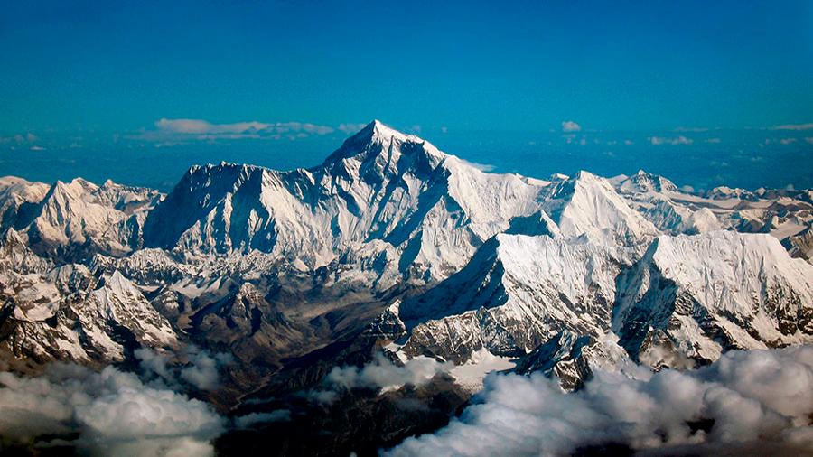 Más de la mitad de los glaciares del Himalaya desaparecerán para el 2100 debido al cambio climático