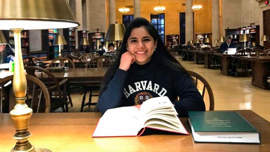 """""""El niño sobredotado llega a pensar que está enfermo"""": la mexicana que ingresó a Harvard con solo 17 años"""