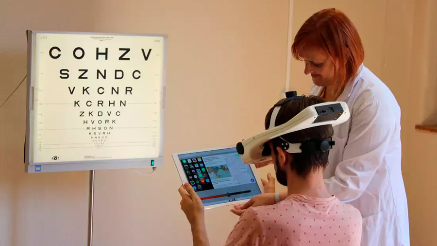 Un simulador portátil permite comprobar cómo va a mejorar la visión antes de una cirugía