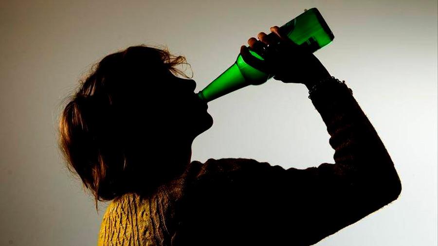 Así es como el alcohol daña tu ADN y hace que quieras tomar más