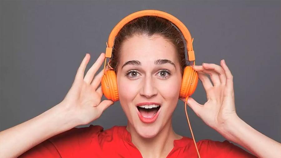 Hábitos musicales de millennials ponen en riesgo su audición: OMS