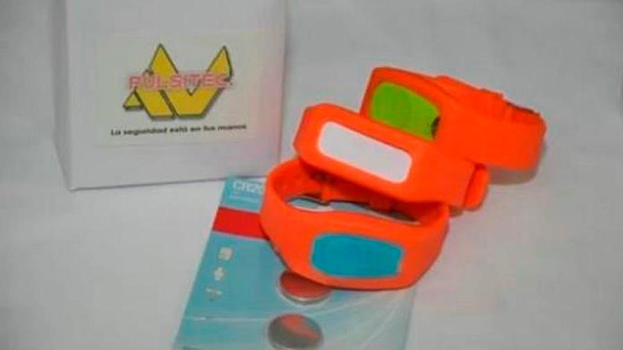 Pulseras anti secuestros, el dispositivo que crearon alumnas del bachiller en México