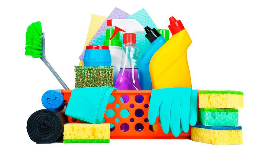 Los químicos en artículos de limpieza contaminan más que los autos, según estudio