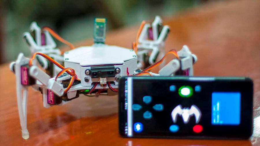 Crean estudiantes mexicanos robot arácnido para la búsqueda y rescate de personas