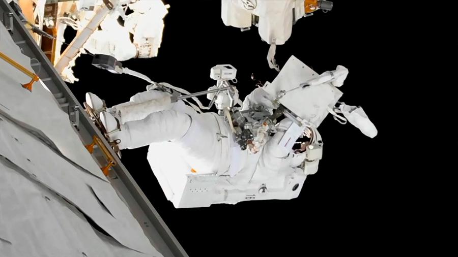 """Los viajes espaciales habrían """"despertado"""" el virus del herpes en algunos astronautas"""