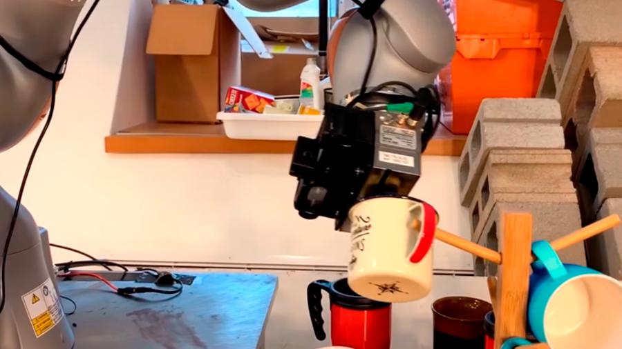 Este robot del MIT puede recoger y colocar objetos con una precisión sin precedentes