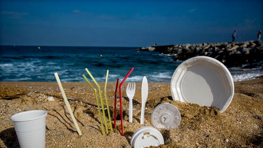 El Parlamento Europeo prohíbe los plásticos de un solo uso a partir de 2021