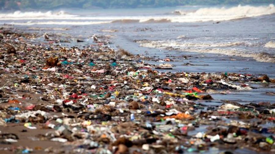 ¿A dónde van los 'plásticos perdidos'? Científicos lo explican