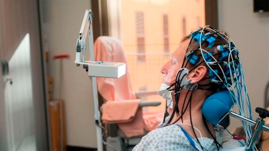Logran con impulsos eléctricos a cerebro de adultos de 70 años que retornen a memoria de veinteañero