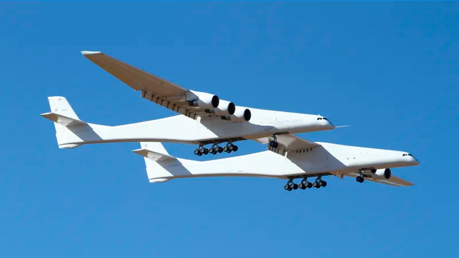 Stratolaunch, el avión más grande del mundo alza el vuelo y se torna plataforma de lanzamiento espacial