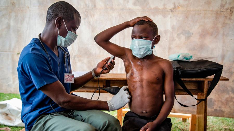 Celulares que se usan como escáneres de ultrasonido ayudan a salvar vidas en África