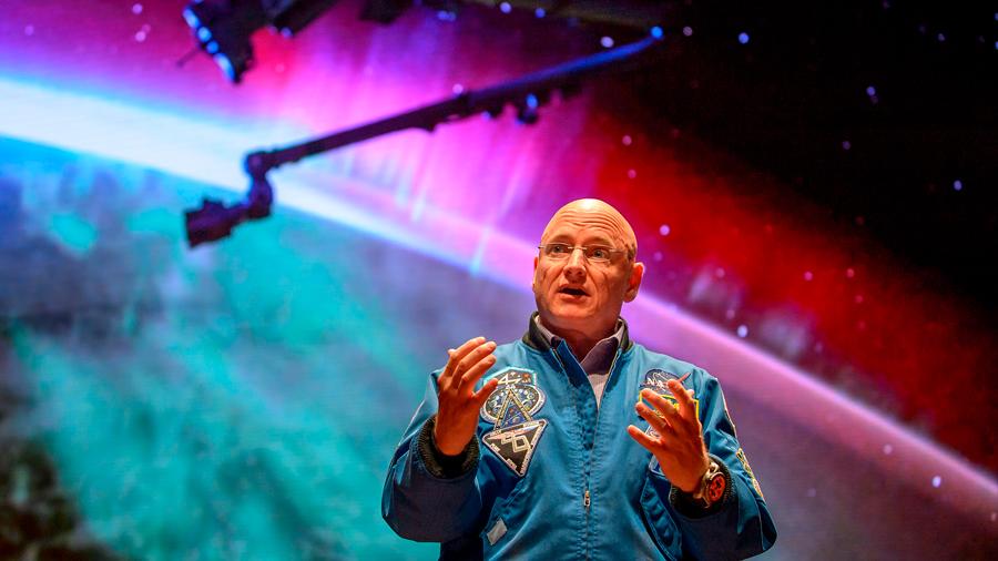 Cientos de genes del astronauta Scott Kelly permanecen alterados