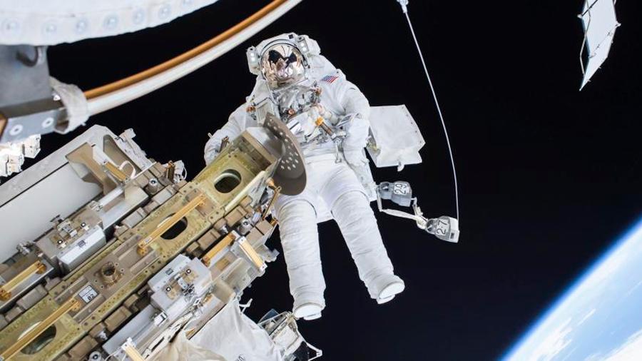 A7LB: el primer traje para sobrevivir en la Luna