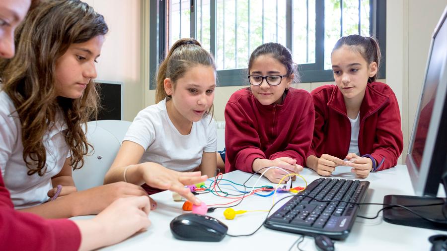 Los mitos que alejan a las niñas de las carreras tecnológicas