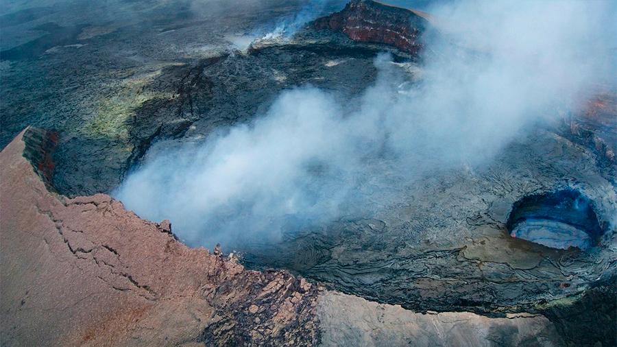 Hawái: un turista sobrevive tras caer a la caldera de uno de los volcanes más activos del mundo