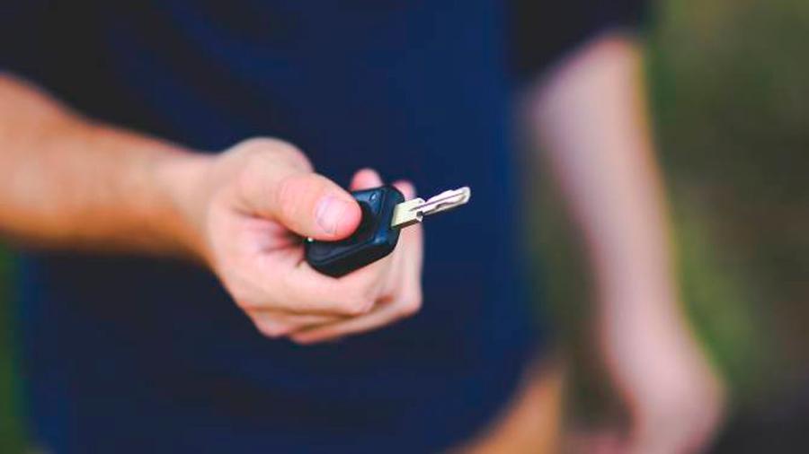 Un curioso invento casero bloqueó las llaves de coches de todo un pueblo