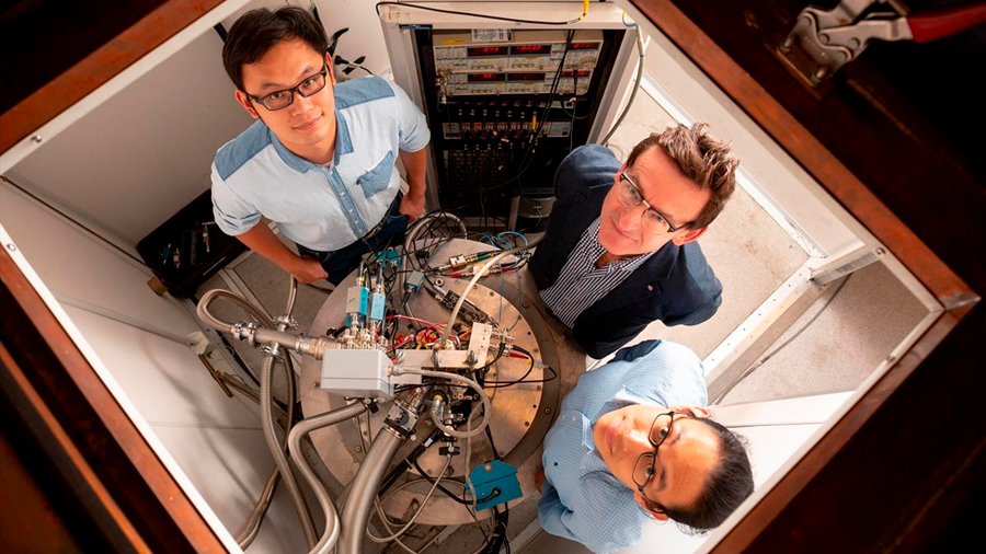 Investigadores alcanzan precisión de cálculo de dos qubits en silicio apta para chip cuántico