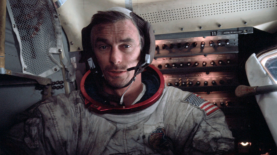 Un 'hijo de puta' se le escapó en directo al último astronauta que pisó la Luna