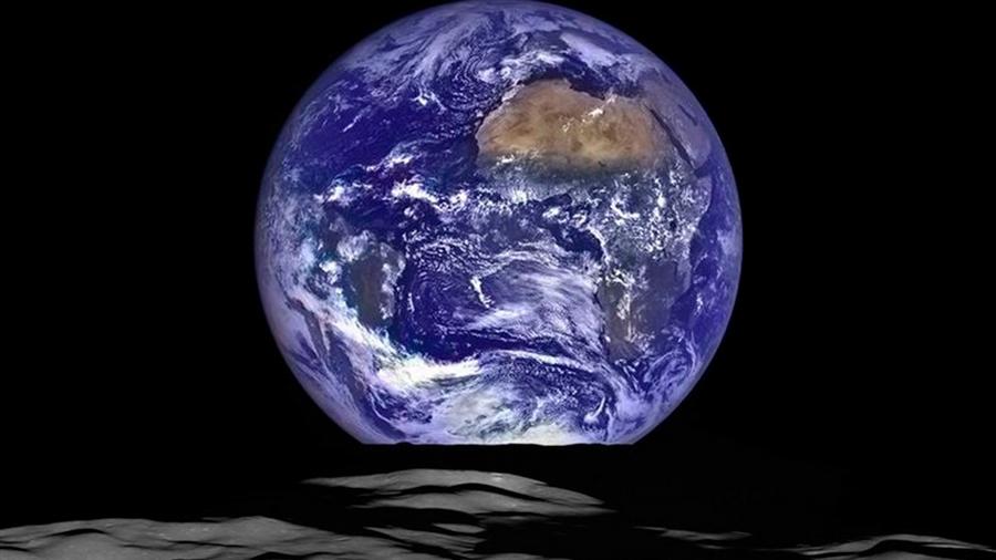 El agua llegó a una Tierra seca con la formación de la Luna
