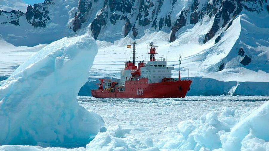 Un buque oceanográfico navega en la Antártida donde hace solo diez años era imposible