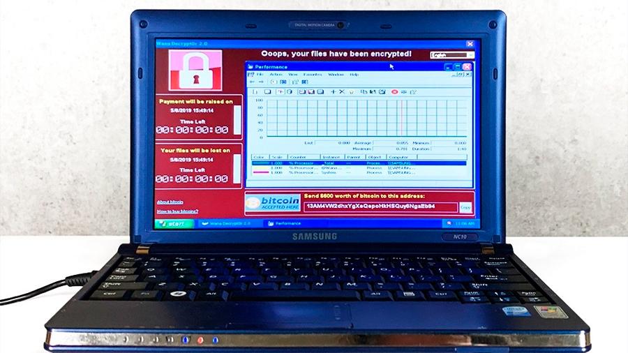 Subastan computador con algunos de los virus informáticos más devastadores del mundo en 1.3 millones de dólares