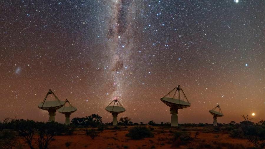 Identifican el origen de una de las señales más intrigantes en la astronomía moderna