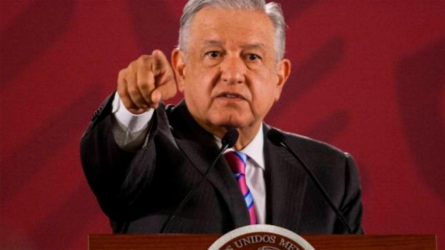 El presidente de México ahora debe autorizar con puño y letra cualquier viaje al extranjero de los científicos