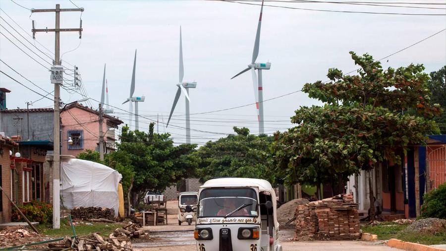 México pone en marcha el parque eólico más grande de América Latina