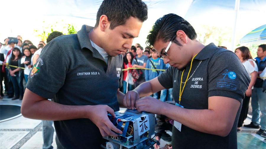 Desarrolla universitario robot submarino que mide contaminación en cuerpos de agua