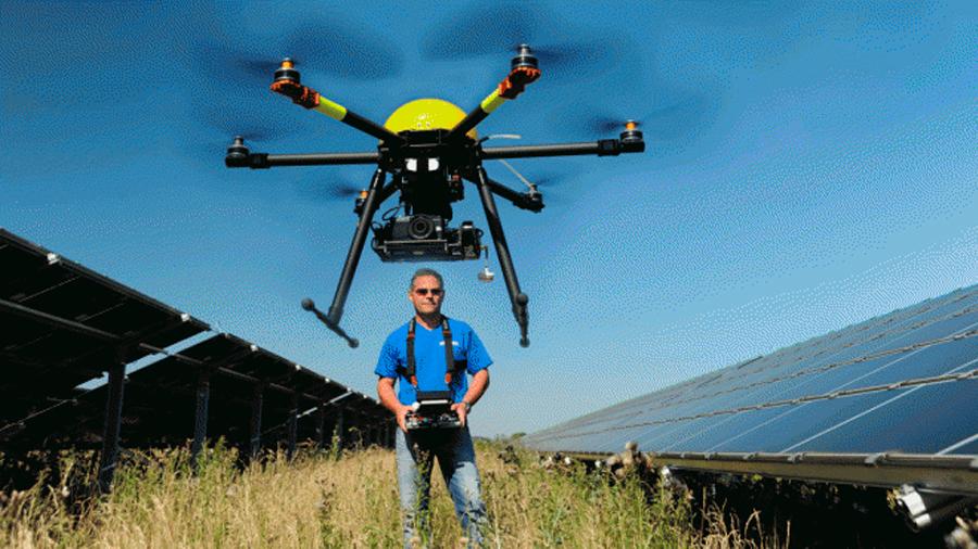 Drones de inspección, los nuevos granjeros de los huertos solares