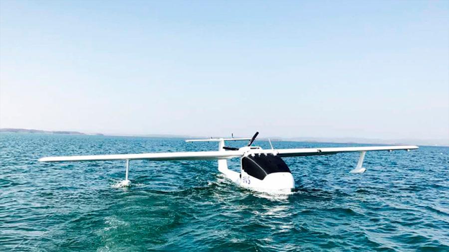 Chinos ahora usan un hidroavión no tripulado para entregar correos