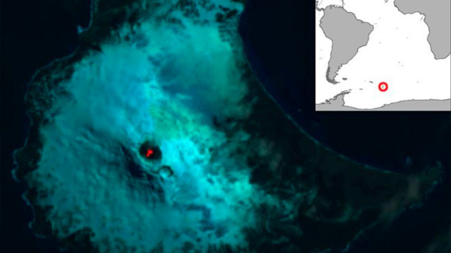 Satélite revela un lago de lava en un volcán aislado del Atlántico sur