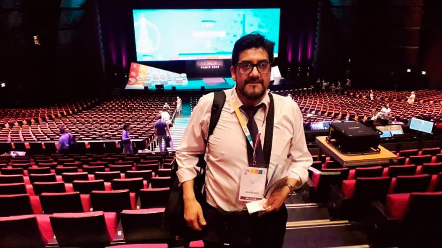 Profesor chileno expuso una nueva Tabla Periódica en Congreso Mundial de Química en Parí