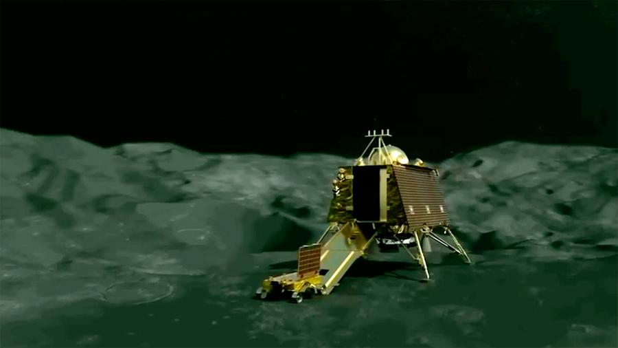 India lanza este lunes la primera misión rover al polo sur lunar