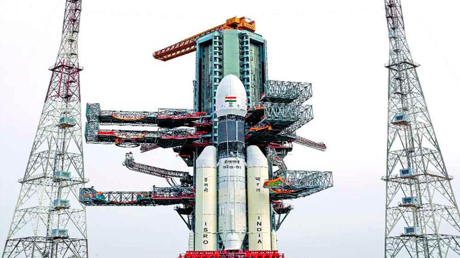"""Suspenden lanzamiento de misión india Chandrayaan-2 a la Luna por un """"inconveniente técnico"""""""