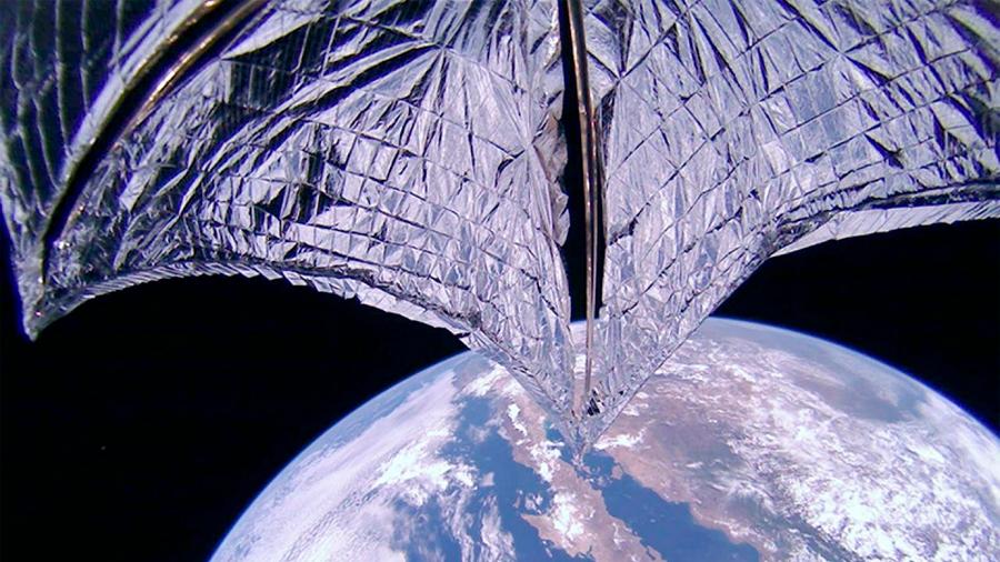Primeras imágenes del despliegue de la vela del satélite LightSail 2