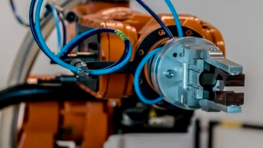 Crean un brazo robótico que ayudaría a clasificar basura
