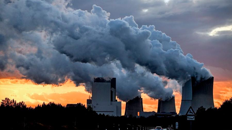 Descubren un método para transformar CO2 en metanol y etanol