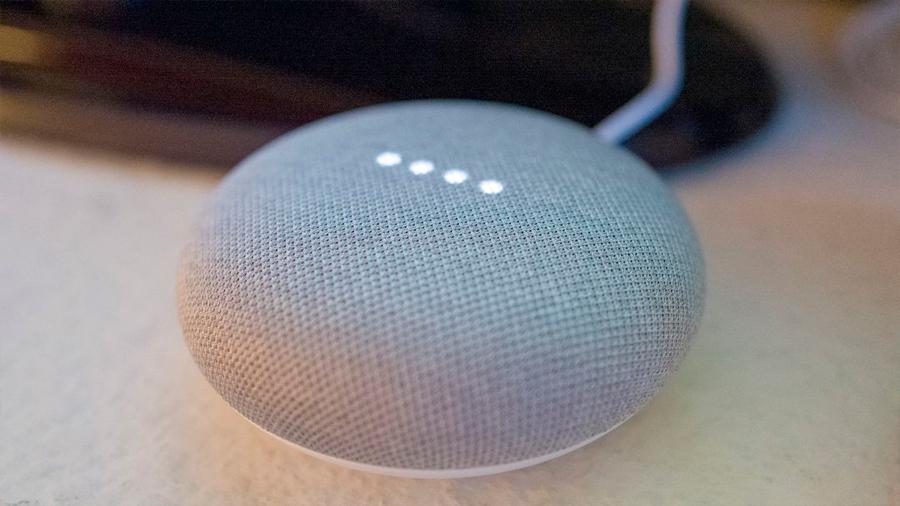 Apple y Google anuncian que dejarán de escuchar (por ahora) charlas privadas de terceros