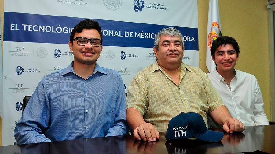 Triunfan dos hermanos mexicanos en el mundo de la robótica