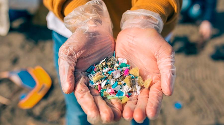 """Microplásticos: un informe de la OMS dice que suponen un """"riesgo mínimo para la salud"""""""
