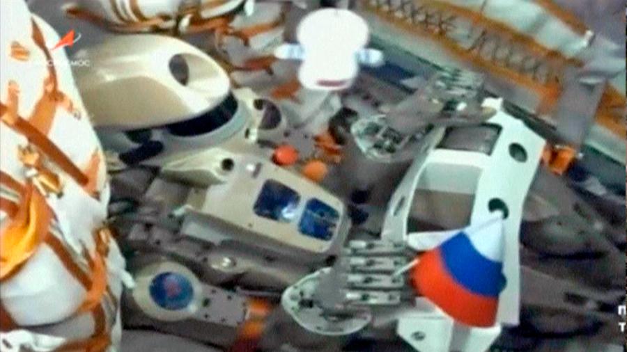 """La nave rusa Soyuz con el androide """"Fiódor"""" se acopla a la EEI al segundo intento"""