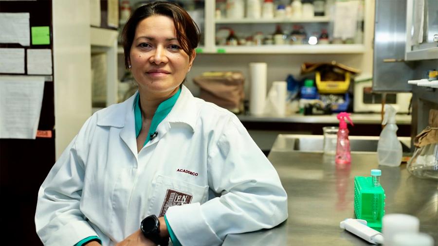 Científica mexicana lograr erradicar el VPH del cervix uterino de 29 mujeres