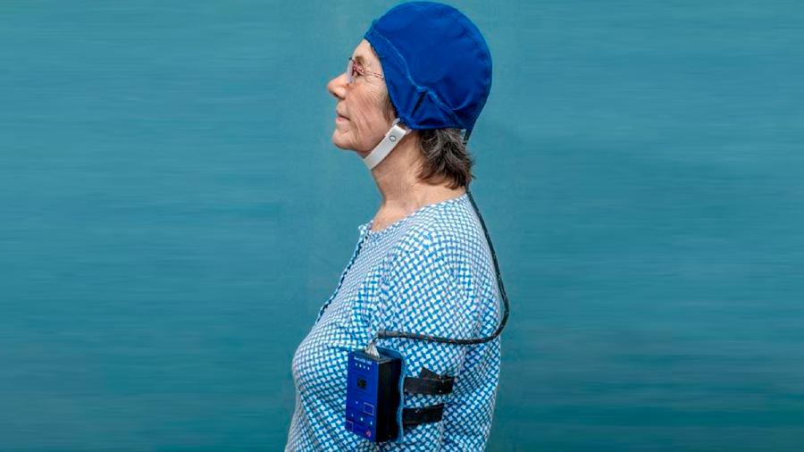 Un dispositivo en investigación logra revertir el deterioro cognitivo en pacientes con Alzheimer